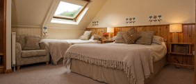 Triple Bedroom with en-suite bath
